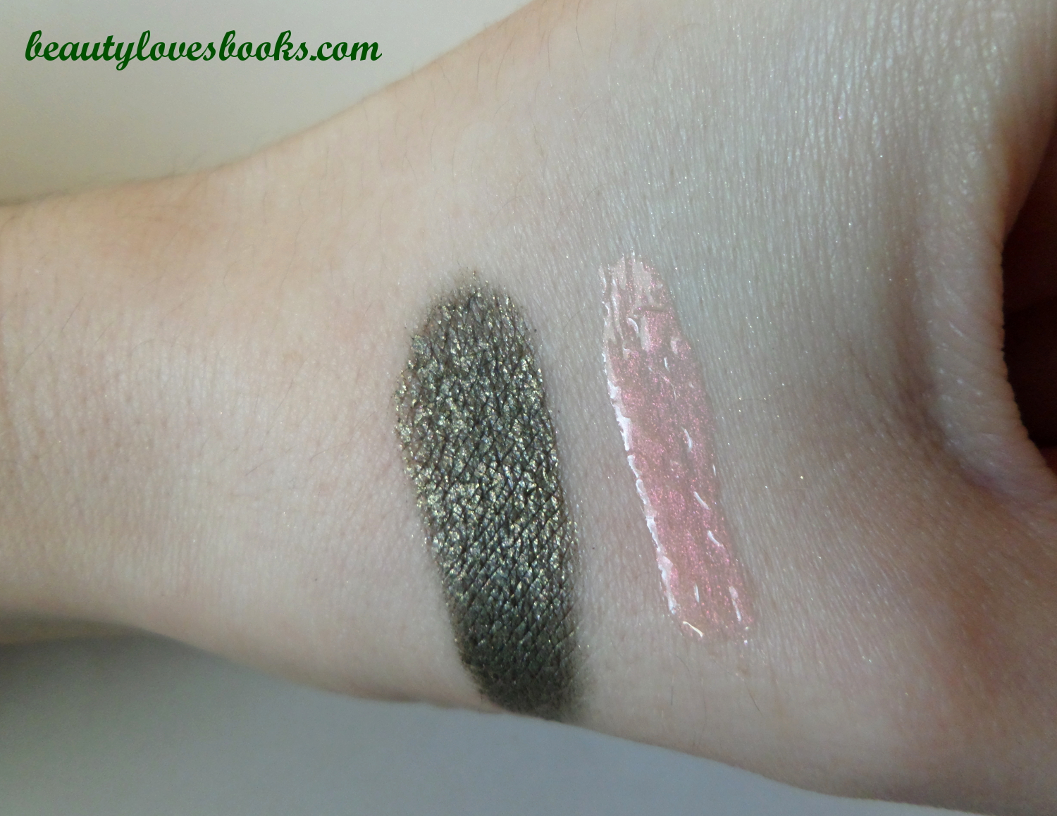 Illamasqua Vintage Metallix eyeshadow in Biblot and Illamasqua Sheer Lipgloss in Exquisite, swatches