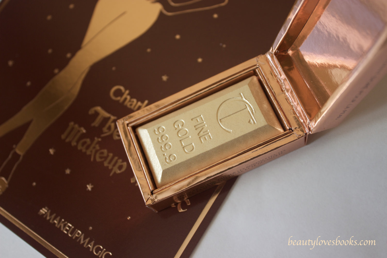 Charlotte Tilbury Bar of gold skin gilding highlighter